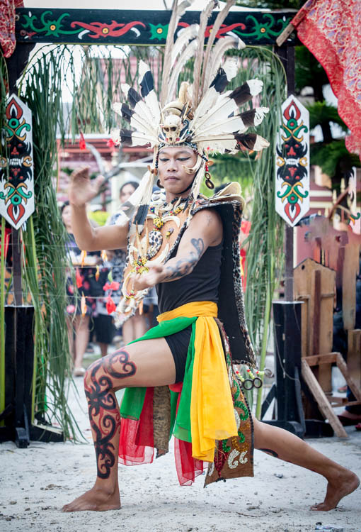 Palangkaraya_Dayak_wedding_20150805_032